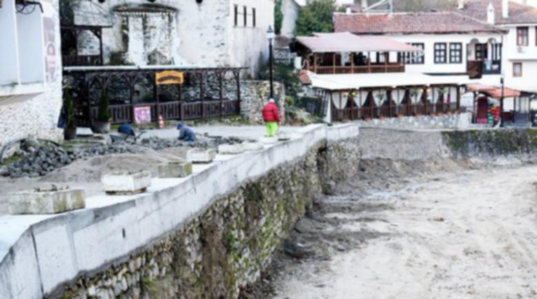 Решение: Вадят колите от Мелник, правят паркинг край града
