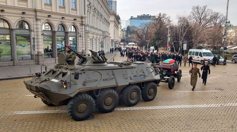 Изпращат на оръдеен лафет генерал Андрей Боцев