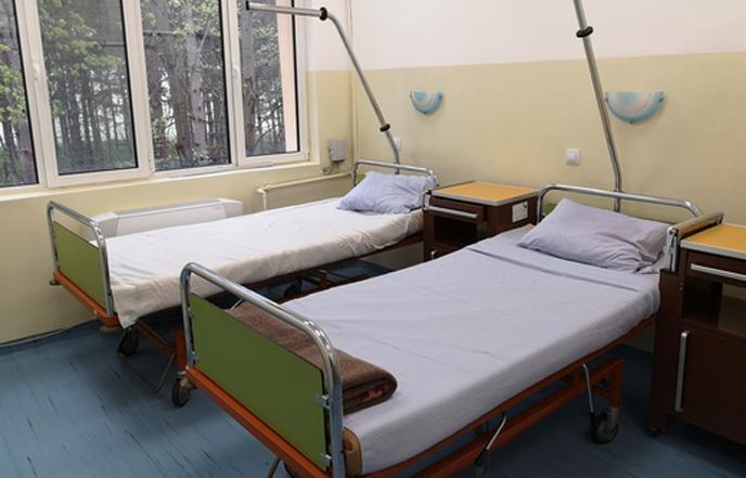 Криза в разложката болница! Шефовете в болнични, лекари под карантина заради Ковид-19