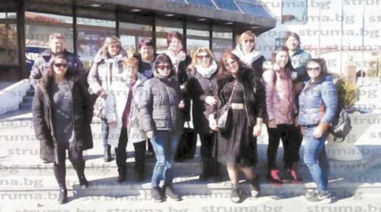 Благоевградчани загърбиха страха от коронавируса и отидаоха на карнавала в Струмица