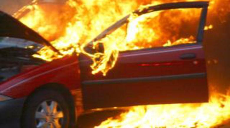 Решетки за мъж с психично заболяване, запалил две коли в Яхиново