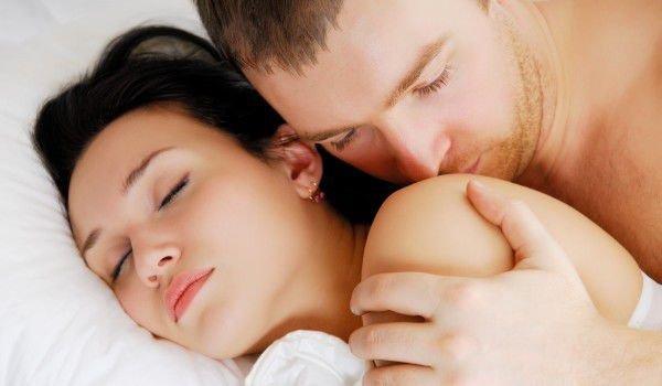 Забраниха на италианците прегръдките и целувките