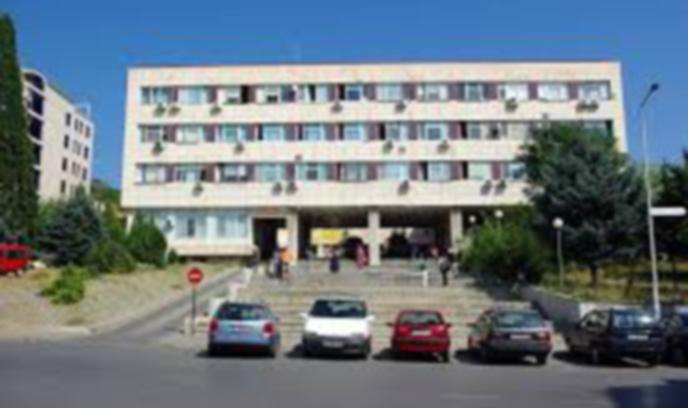 При коронавирус: Болниците в Пиринско на бойна нога за допълнителни легла