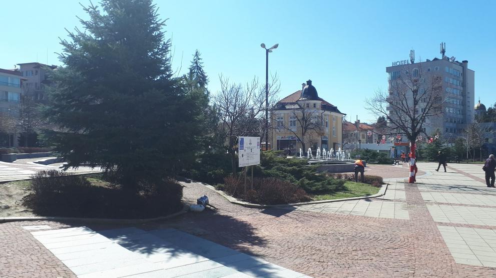 Община Дупница снабдява хора под карантина и възрастни без близки с хранителни продукти и лекарства