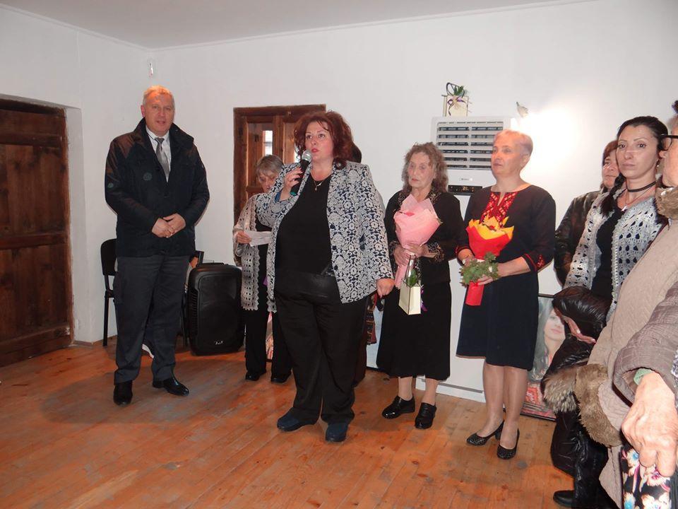 С майсторство и умения се хвалят в изложба дамите от Крапата махала в Разлог