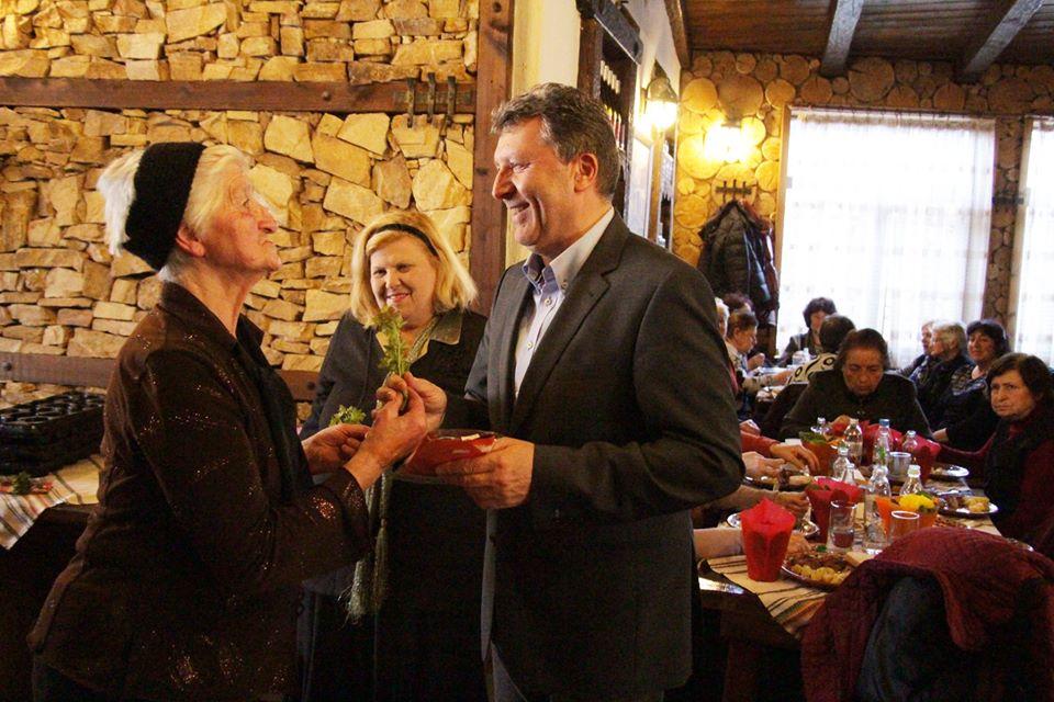 Кметът Иван Кадев, поздрави пенсионерките по случай Международния ден на жената