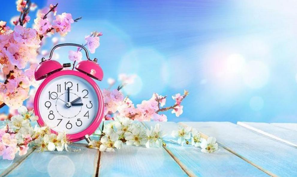 Местим стрелките на часовника с 1 час напред в неделя
