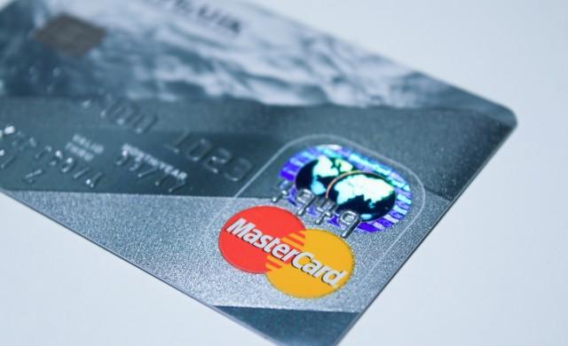 Mastercard вдига лимита за безконтактни плащания до 100 лв
