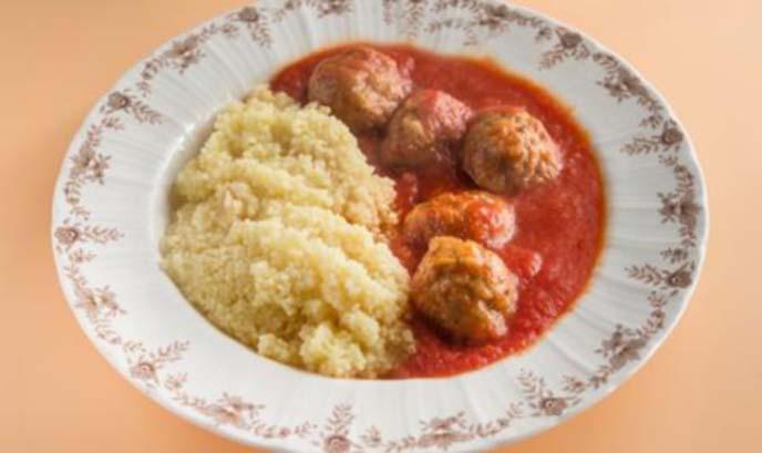 Кюфтенца по марокански с доматен сос