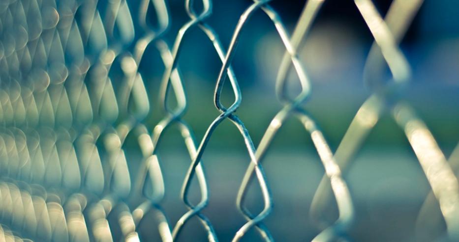 Размирици и протести в италианските затвори заради коронавируса, има загинали и ранени