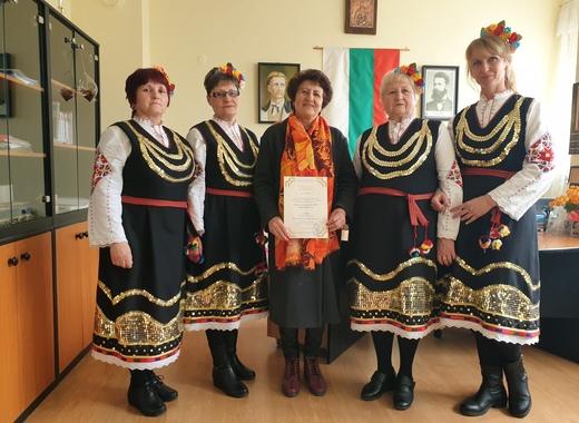 ГЕРБ с благороден жест към певческия ансамбъл в село Яхиново