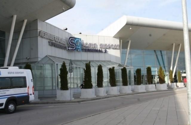 Засилени мерки за сигурност по летищата в страната