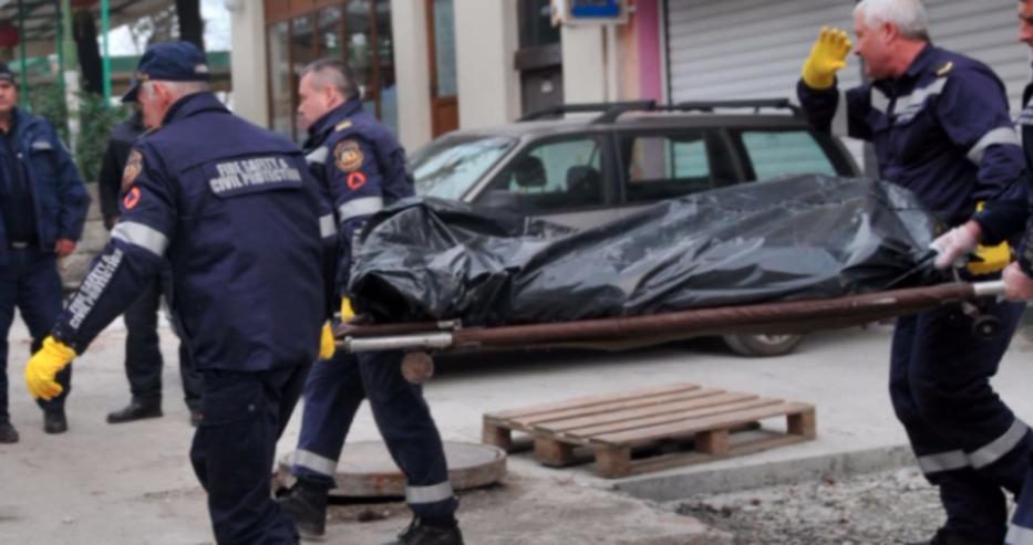 Мъж скочи от блок в Пазарджик