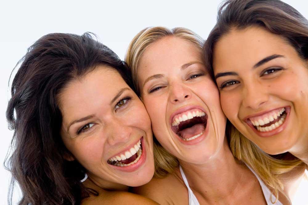 Който се усмихва, винаги е по-силен от този, който се гневи!