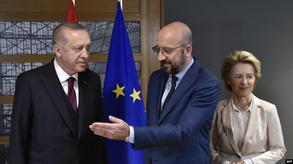 ЕС настоя Турция да прекрати миграционния натиск по границата с Гърция, Ердоган отказа