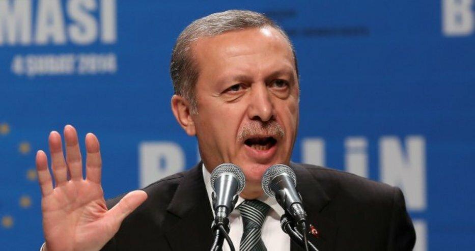Турция забрани на хората над 65 години да излизат навън