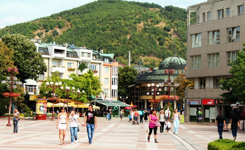 """Благоевград е сред """"фалиращите"""" градове от кризата"""