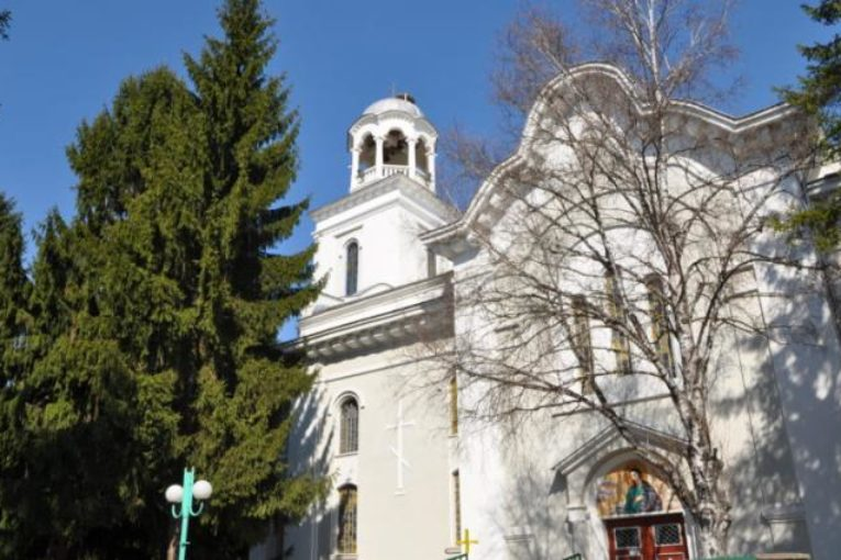 Пропускателен режим за Цветница и Великден, маски и ръкавици за всички църкви в Разлог