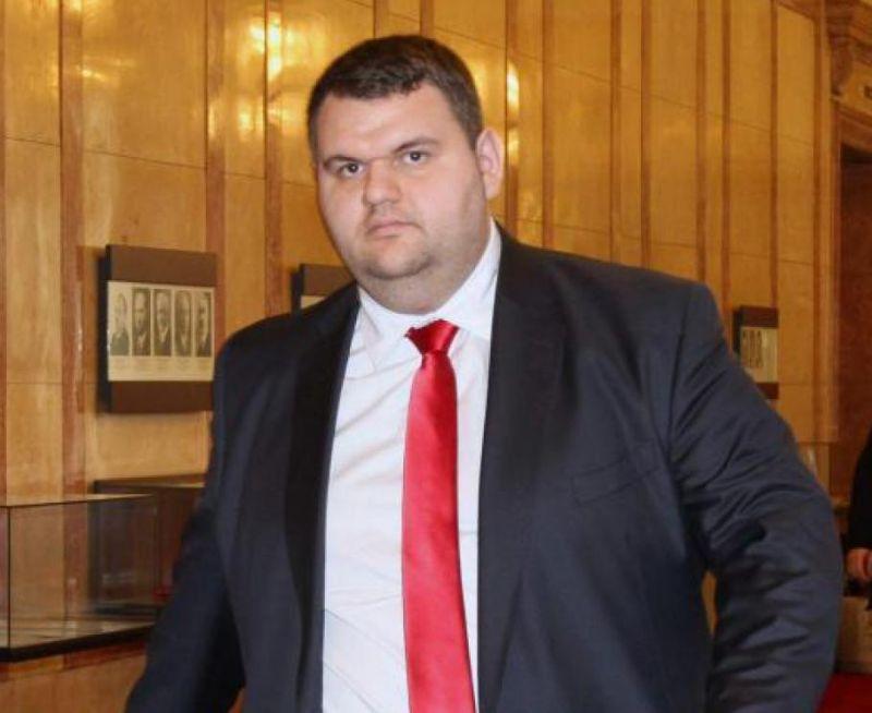 Делян Пеевски към кмета Ревански: Да помагаме и бъдем близо до хората, един народ сме!
