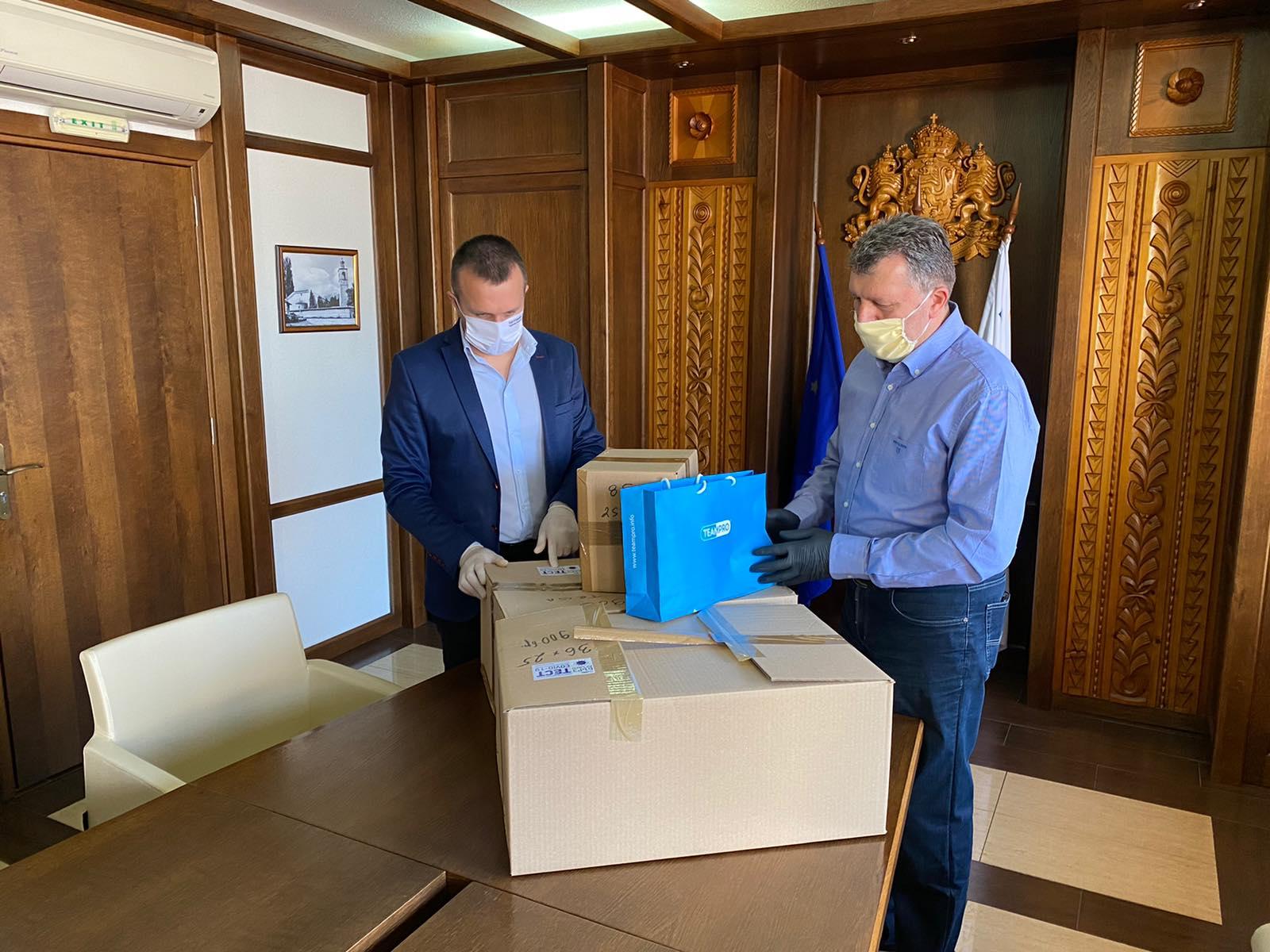 Дeлян Пеевски с пореден благороден жест, дари 2 000 теста на Банско