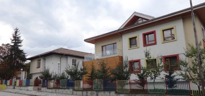 От утре се възобновява приемът в детските градини и ясли на територията на Банско, Добринище и Места