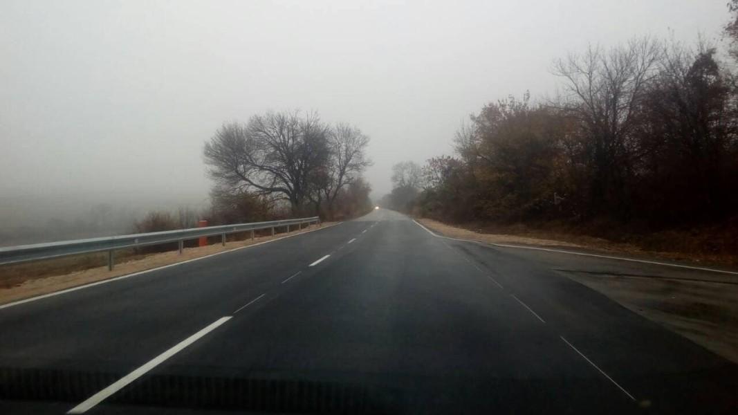 Мокри и хлъзгави са пътните настилки в Благоевград