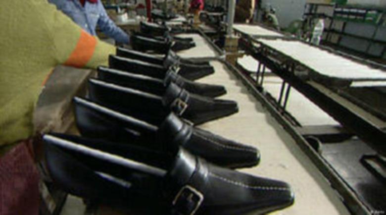 Собственикът на италианския цех в Дупница изнася машините