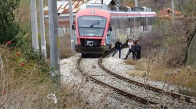 Ужасен инцидент – Бързият влак София – Бургас е блъснал възрастен мъж