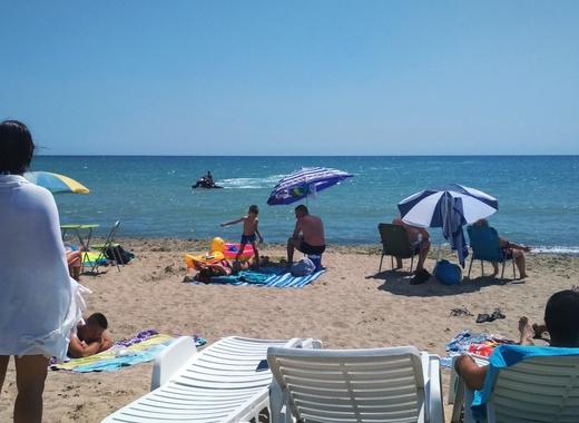 В Кюстендил пак организират дневни екскурзии за плаж в Гърция
