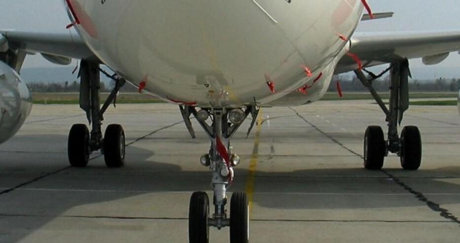 В самолетите да се носят маски и да се спазва дистанция