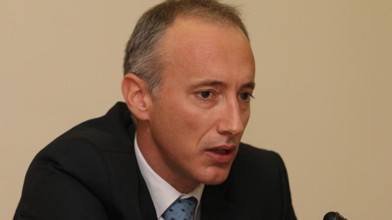 Министър Вълчев : Всички училища започват присъствено, ще превключваме
