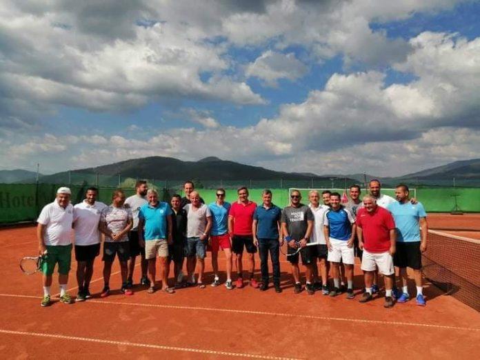 Велинград очаква участниците в Петия тенис турнир за аматьори