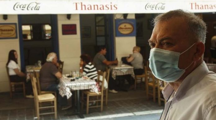Обмислят локална карантина по области в Гърция