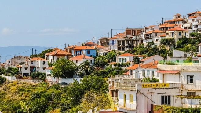 """Цените на имотите и наемите в Гърция """"замръзнаха"""""""