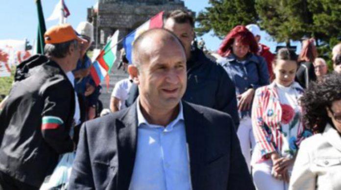 Радев иска саморазпускане на Народното събрание