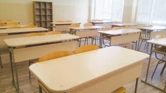 Учениците без маски само в класната стая