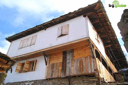 Бизнесдама ще трябва да връща субсидия за изграждане на две къщи за гости в село Ковачевица