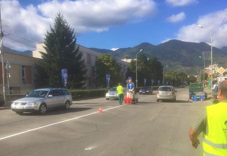 Подновяват пътната маркировка в Гоце Делчев