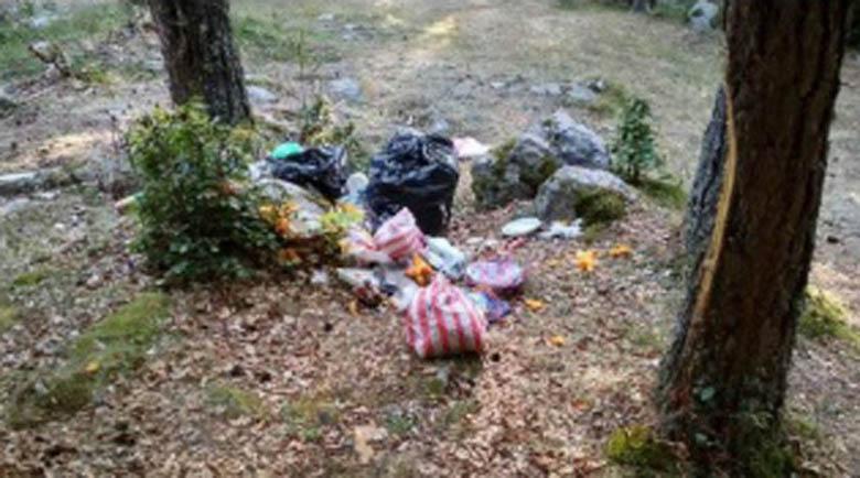 Вижте каква кочина остава след пикник край Рилския манастир