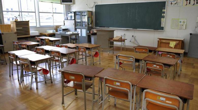 Седмокласниците и зрелостниците ще учат най-дълго присъствено в училище