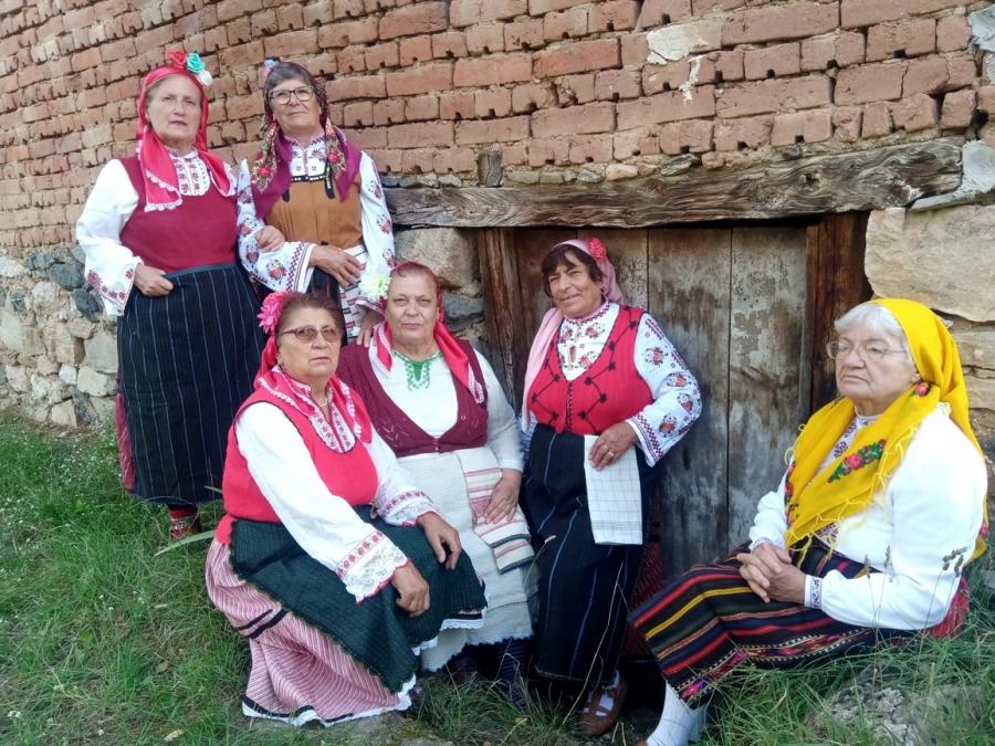 """Женска фолклорна група """"Детелина"""" – гр. Симитли е Лаурет ІІ степен на Световния шампионат по фолклор 2020"""