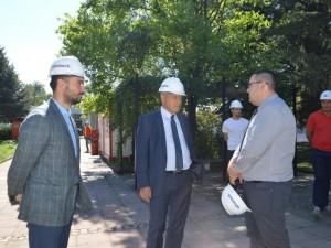 """Румен Томов, присъства на """"Първа копка"""" на завода за протези"""