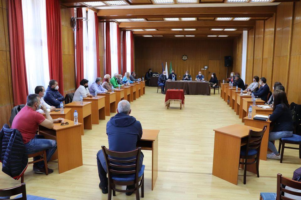На организирана от Община Банско работна среща бяха обсъдени мерки за подготовка на курорта за предстоящия зимен туристически сезон