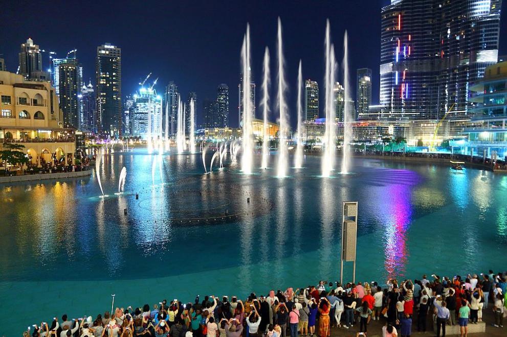 Дубай постави рекорд с най-големия фонтан в света