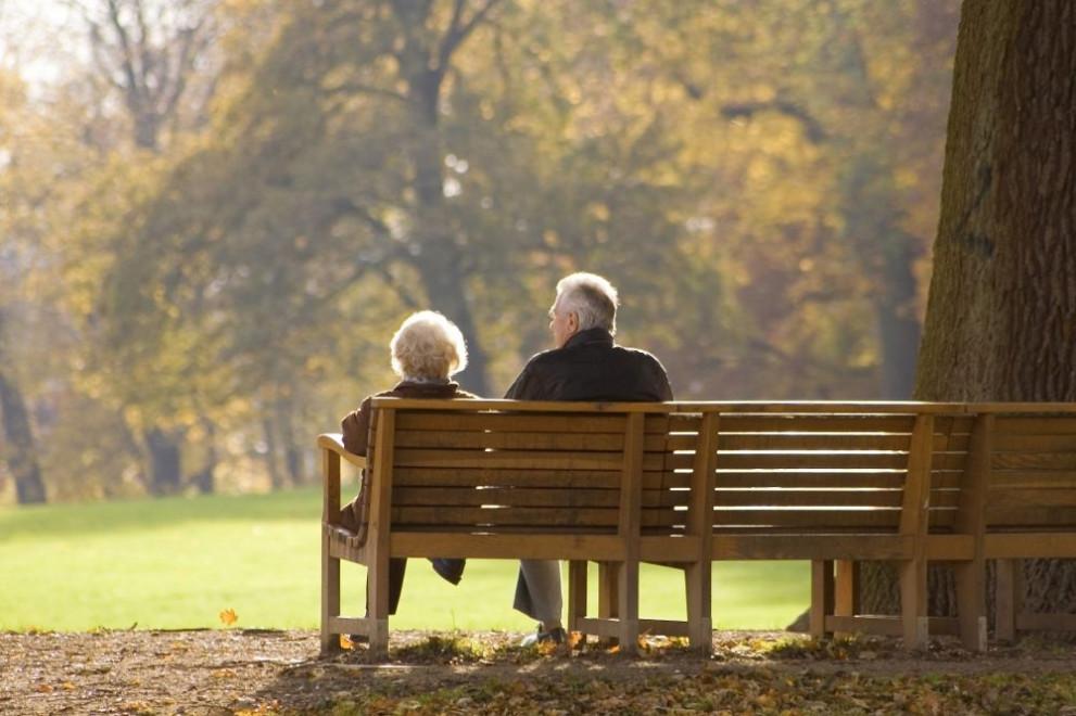 Бюджет 2021 г.: Пенсионерите с ваучери за храна, детски само за родителите с ниски доходи