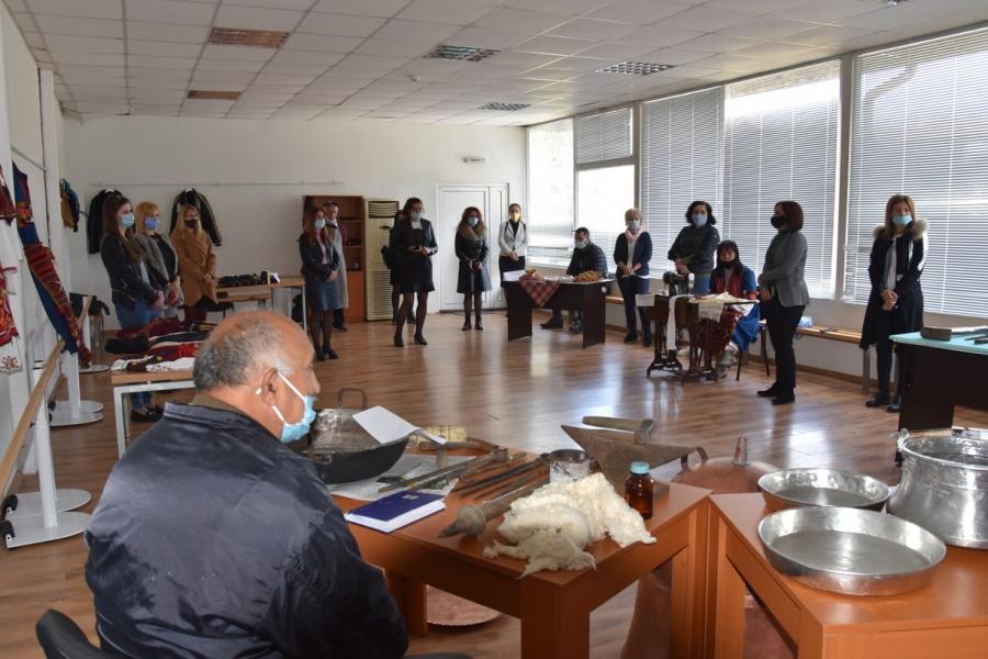 """""""Информационна борса за проекти и изложение на местни производители""""се проведе в Симитли"""