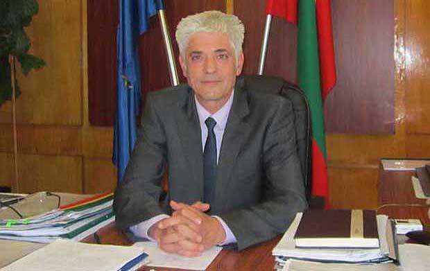 Кметът на Дупница е разпоредил ежедневно подаване на информация за случаи на COVID-19 сред учители и персонал