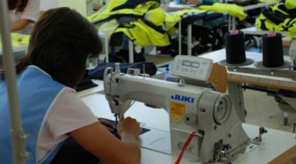 Нов шивашки цех осигурява работа на 30 жени в село Господинци