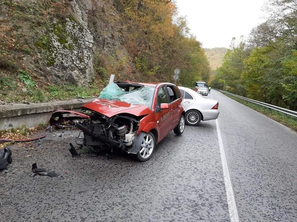 Момиче и млада жена са загиналите в тежката катастрофа в Гоцеделчевско