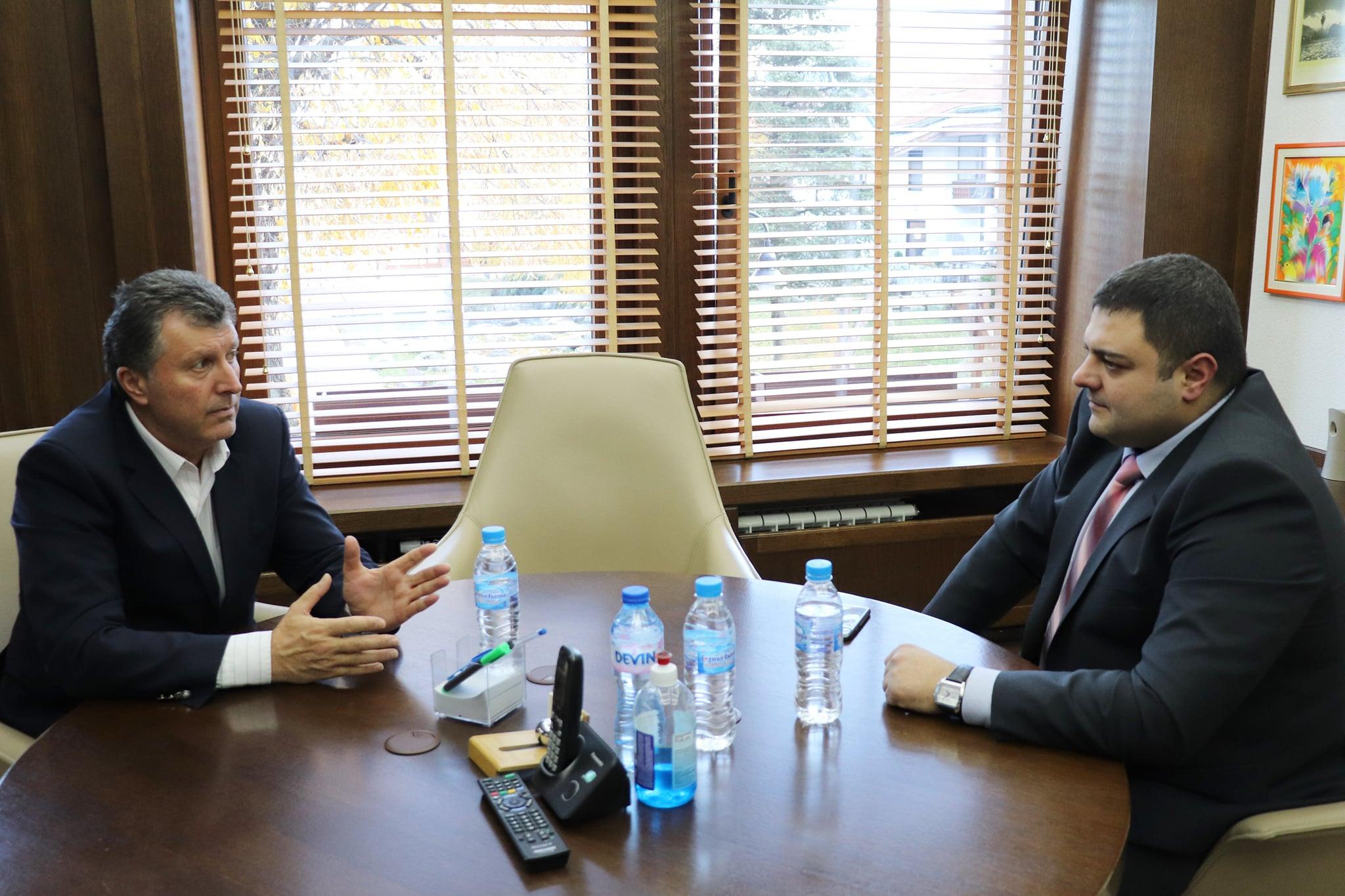 Кметът на община Банско Иван Кадев прие новия началник на РУ-Банско главен инспектор Кирил Стоянов